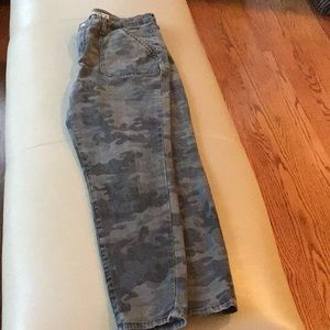 Mossimo gray camo jeggings size 12